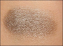NYX Luster Swatch