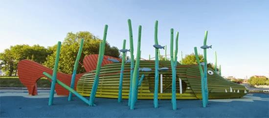Parque infantil surreal 05