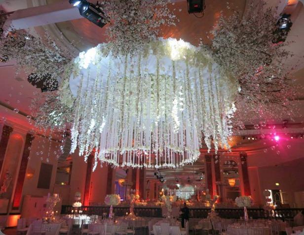 chandelier la premier 1000928_587818694594190_563650164_n