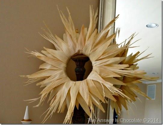 Cornhusk Wreath Stand