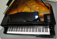 Siri-can-play-the-piano