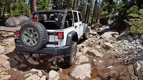 4-2014-wrangler-unlimited-rubicon-white