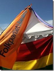 regnbågsband och fp-flagga