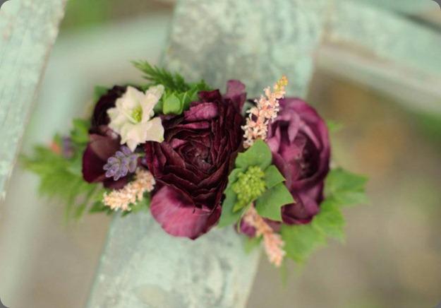 181479_426108010754594_1007175245_n love n fresh floral bracelet