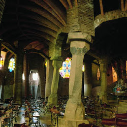 65.- Gaudí. Parque Güell. (Iglesia)