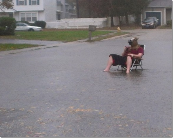 happy-flood-people-23