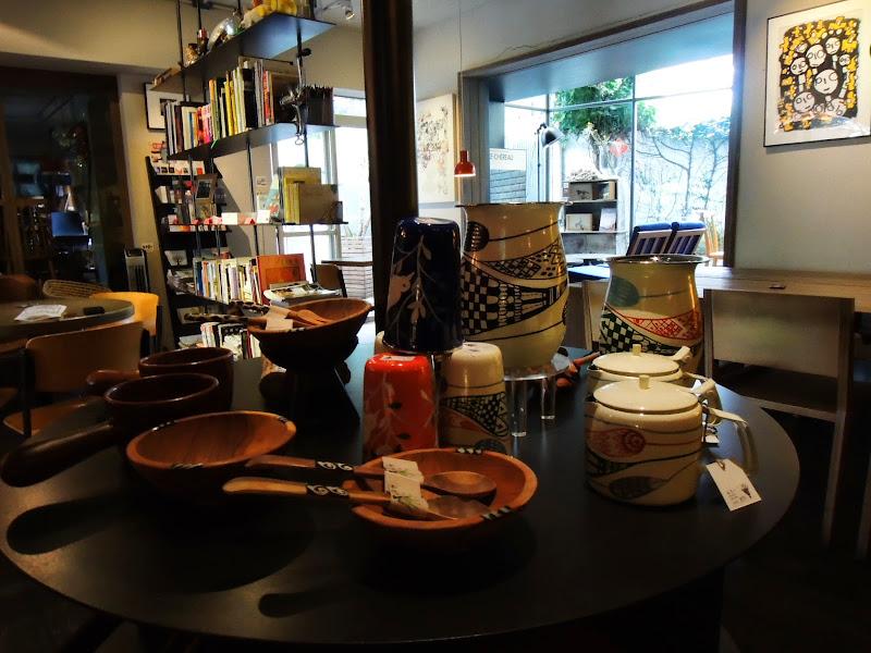 學校咖啡館 EcoleCafe' 現場販售小物.jpg