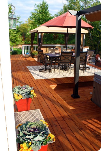redwood deck white railings