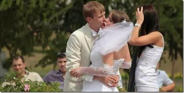 awkward-kissing-fails-2