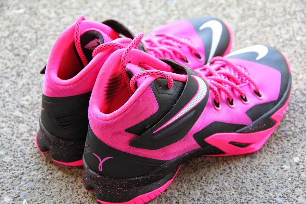 Lebron Soldier 8 Pink Nike Zoom Soldier 8 Set to