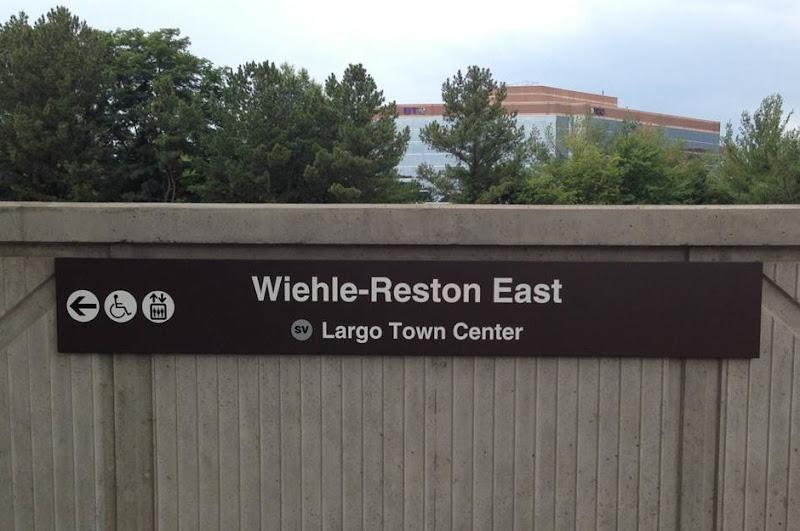 Metro sign 1.jpg