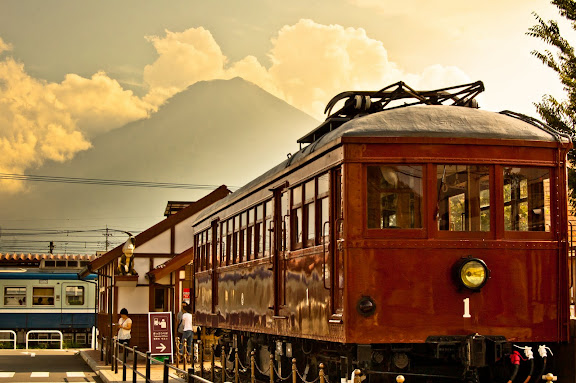 Flickr Image - Yamanashis Fujisan view (Aug 19, 2011 15_19_15_85).jpg