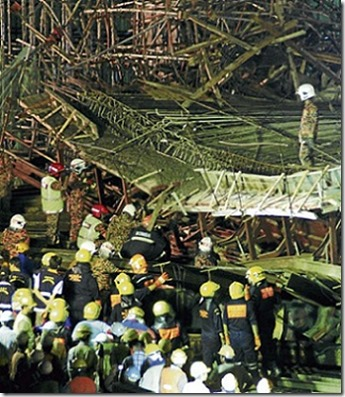 Gambar kereta Perodua Kelisa hancur dihempap 4