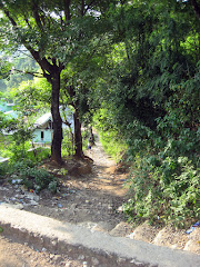 Small road down to Labuanbajo center
