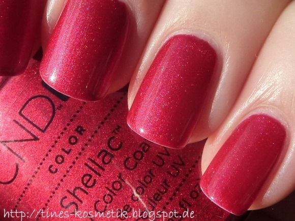 CND Shellac Red Baroness 4