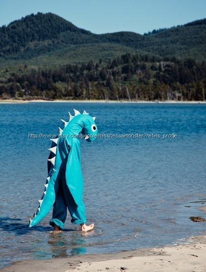 disfraz monstruo lago ness
