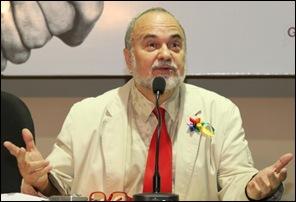 antropólogo Luiz Mott