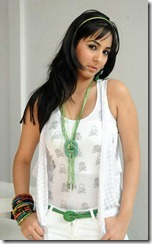 sakshi-gulati-high-resolution hot pic3