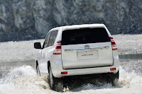 2014-Toyota-Land-Cruiser-Prado-12.jpg