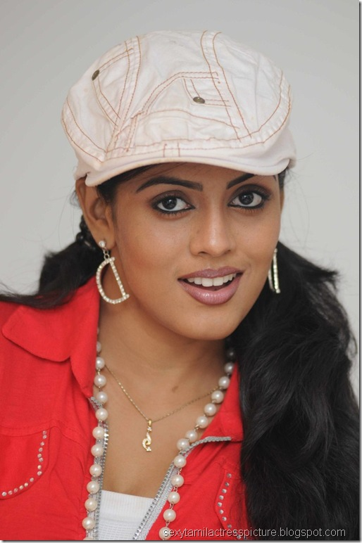 Actress_Iniya_Hot_Photo_Shoot_Stills_01