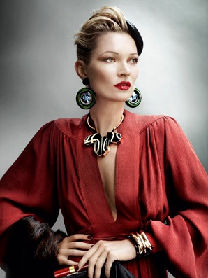 Kate_Moss_by_Mario_Testino_(A_La_Mode_-_UK_Vogue_August_2011)_6