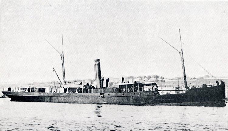 El vapor mejicano MANUEL HERRERIAS fondeado en la bahía de Santander en su viaje inaugural el 27 de Septiembre de 1.901. Foto de la revista EL MUNDO NAVAL ILUSTRADO. Año 1901.JPG