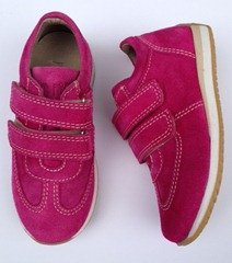 pompom_sneakers_pink