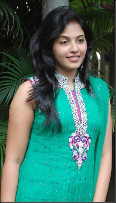 Anjali-10-12-Stills-009
