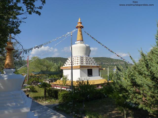 estupa-monasterio-budista-de-panillo.JPG