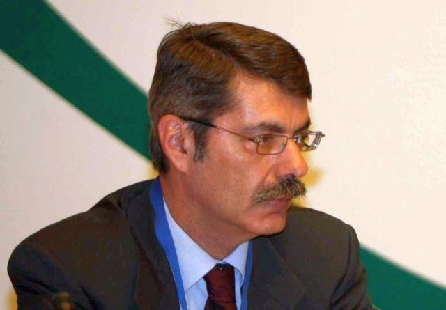 Χρύσανθος Λαζαρίδης: Εδώ το διδακτορικό, εκεί το διδακτορικό, που είναι το διδακτορικό;