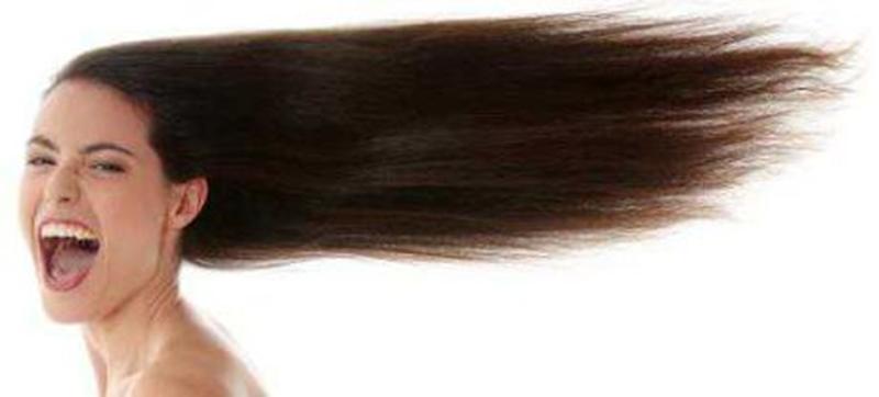 wanita berambut panjang