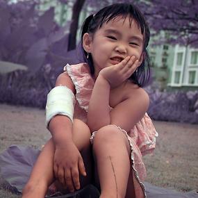 by Chandra Wirawan - Babies & Children Child Portraits ( Emotion, portrait, human, people )