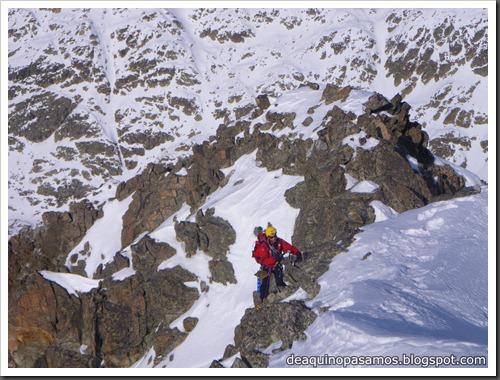 Corredor Noroeste (Izquierda) 300m AD  65º (Pico Serrato 2888m, Pirineos) 7429