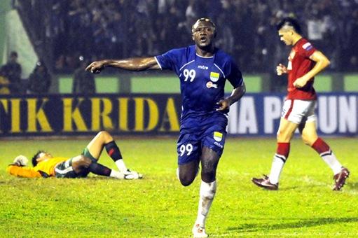 Harapan Herman Dzumafo di Tahun 2013 : Cetak Gol Lebih Banyak