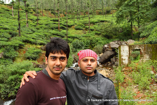 Anand and Anshu pose at the beginning of the trek