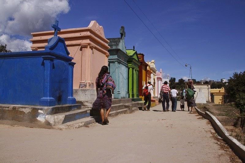chichicastenango-cemetery-02