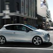 2013-Peugeot-208-HB-8.jpg