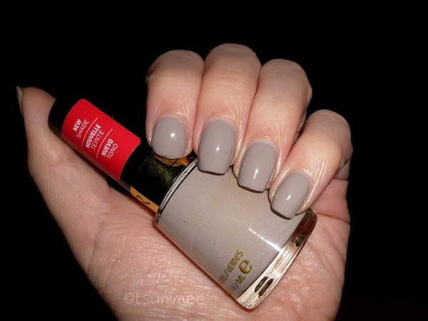 001-revlon-nail-polish-smoky-canvas-swatch