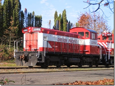 IMG_9315 Oregon Pacific SW1200RSu #1202 in Milwaukie on November 7, 2007