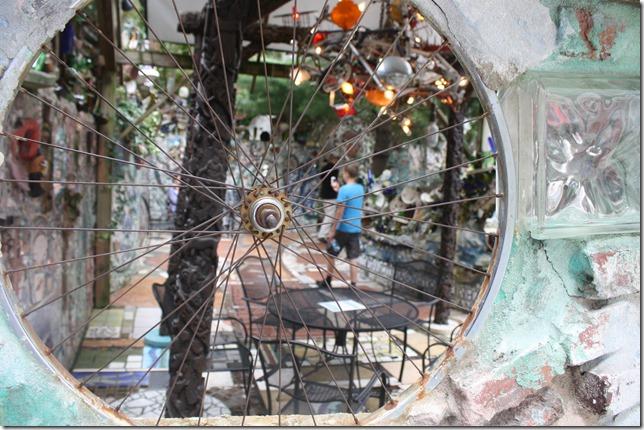 philadelphia-magic-garden-wheel-mosaic