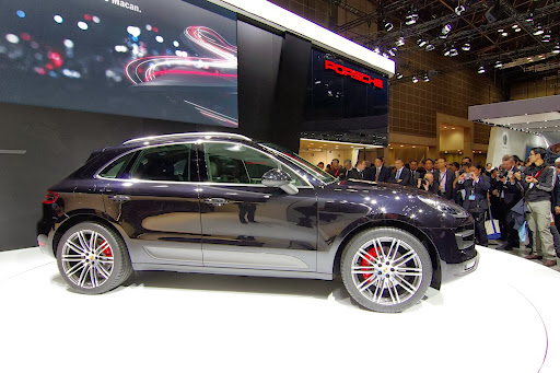 Porsche-Macan-17.jpg