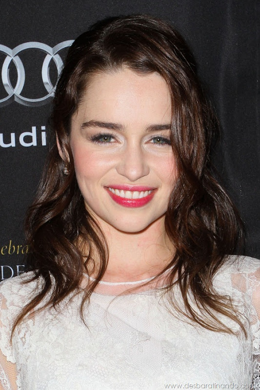 emilia-clarke- Daenerys-Targaryen-linda-sexy-game-of-trhones-guerra-dos-tronos-sexta-proibida-desbaratinando (20)