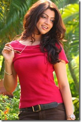akanksha_puri_stylish_still