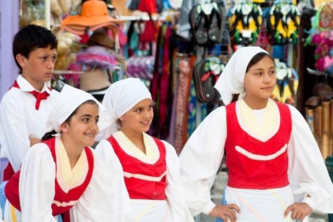 Η πλατεία Καμπάνας γέμισε χορό