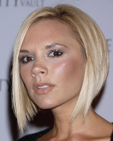 Victoria Beckham Short Blonde Hairstyle