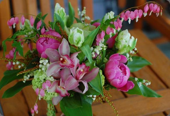 40227_423175205956_6142541_n flora bella