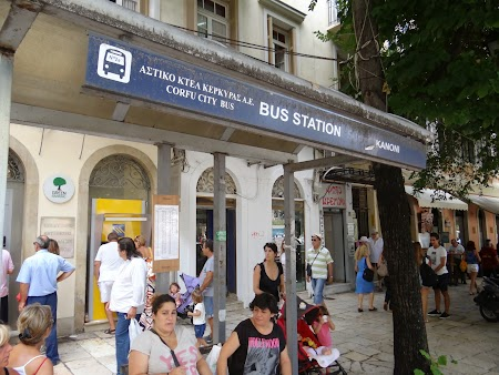 02. Statie de autobuz din Corfu City.JPG