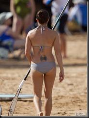 danica-patrick-blue-bikini-hawaii-04-675x900