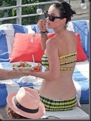 katy-perry-bikini-0729-17-675x900