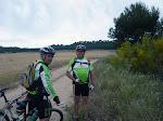 """Carlos y Paco a las afueras de la urbanización """"Zulema"""" camino del Cerro de San Juan del Viso, Torrejón de Ardoz (Madrid)"""